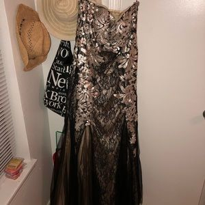 Black and gold strapless formal/prom dress